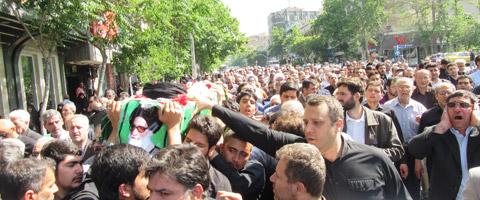 پیکر آیت الله طاهری شیرازی در تهران تشییع شد