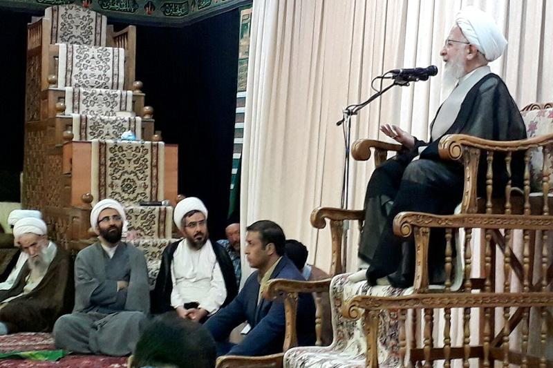 نهج البلاغه در حوزه تدریس شود- سیاست بدون قرآن و نهجالبلاغه معنا ندارد