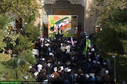 در اعتراض به جنایات آلسعود در یمن؛  تجمع اعتراض آمیز طلاب مدارس علمیه تهران برگزار شد