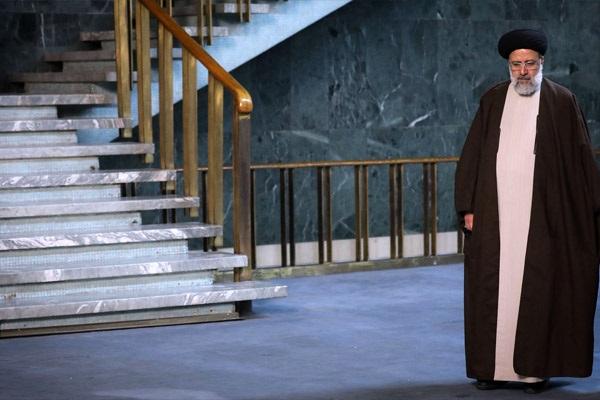 رئیس قوه قضائیه در تبیین بیانیه «گام دوم»: با عزم راسخ، رسیدن به قله تمدنی امکان پذیر است_ «آرمانگرایی واقعبینانه»؛ نگاه حاکم بر بیانیه گام دوم