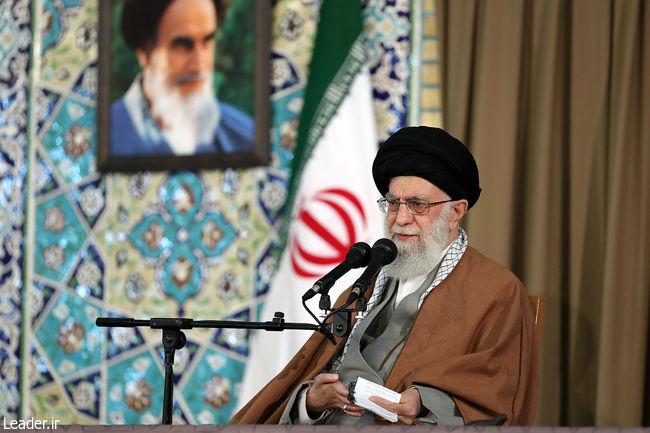 رهبر معظم انقلاب در حرم مطهر رضوی: در دوران نه چندان دور تسلیحات سعودی به دست مجاهدان اسلامی خواهد افتاد