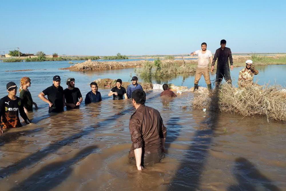 روایتی از حضور جهادی طلاب حوزه علمیه تهران در روستاهای سوسنگرد