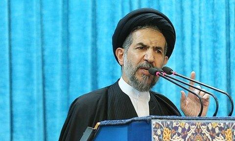 امام جمعه موقت تهران: اگر شهدا و ایثارگران نبودند مقاومت در دنیای اسلام شکل نمی گرفت